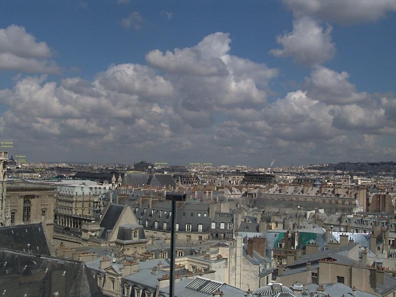"""Уникальная круговая панорама Парижа, полученная из 9 фрагментов.  Съемка осуществлялась с обзорной террасы универмага """"Самаритен"""" (Samaritaine). Фрагмент 8."""