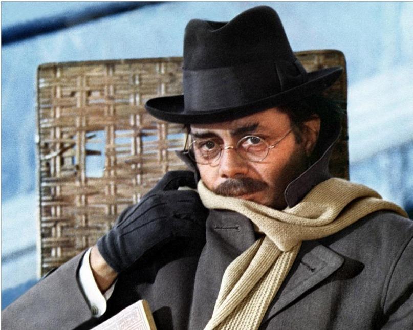 """Фильм Висконти """"Смерть в Венеции"""". В роли Ашенбаха - английский актер Дирк Богард, известный в России по фильмам """"Гибель богов"""" (тоже Висконти) и """"Ночной портье"""". Оба фильма связаны с историей нацистской Германии."""