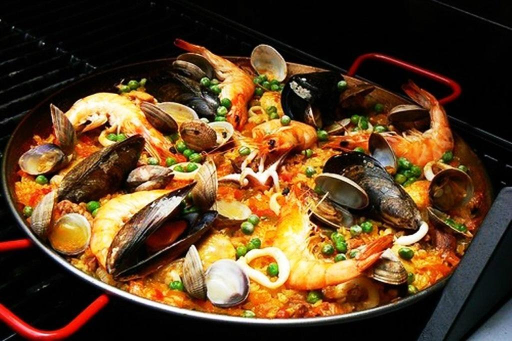 """Каталонская кухня. Не пуэлья, как в Испании. а """"пища моря и гор""""."""