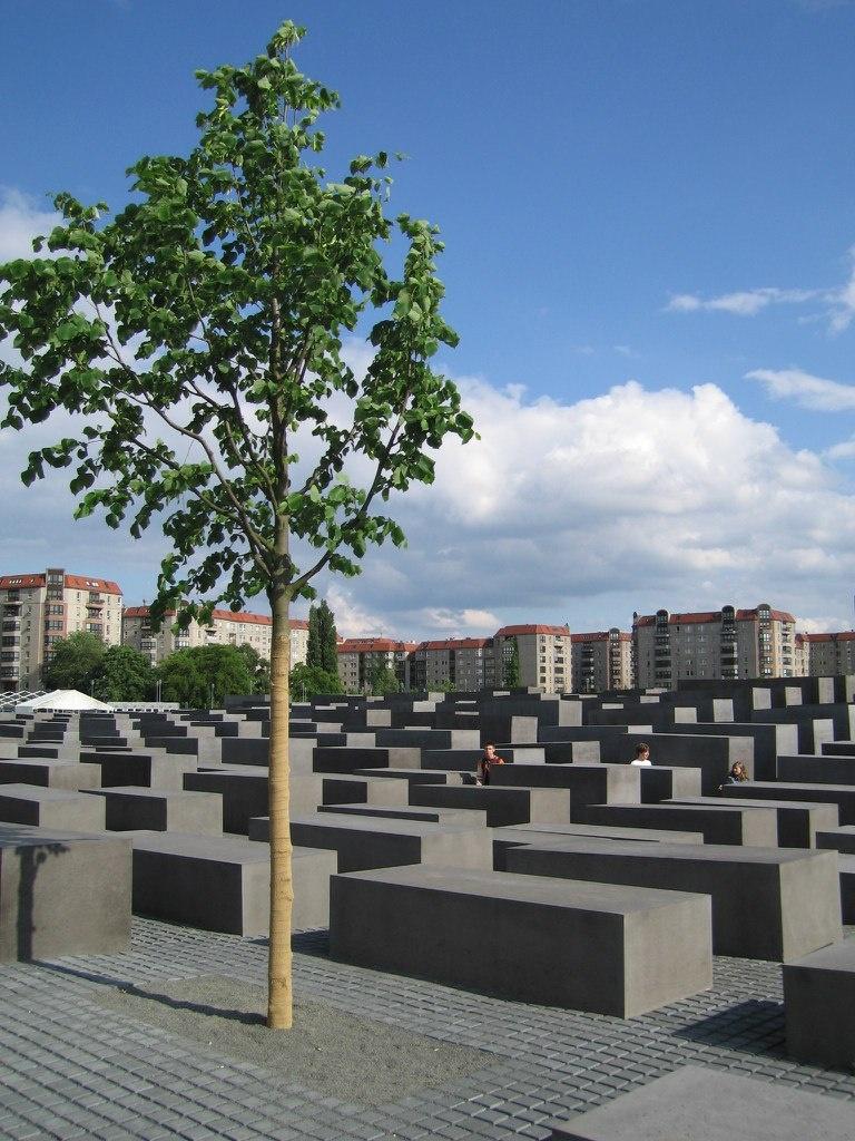 Мемориал памяти убитых евреев Европы (нем. Denkmal für die ermordeten Juden Europas) — мемориал в Берлине, Германия, установленный в память о евреях-жертвах нацизма.