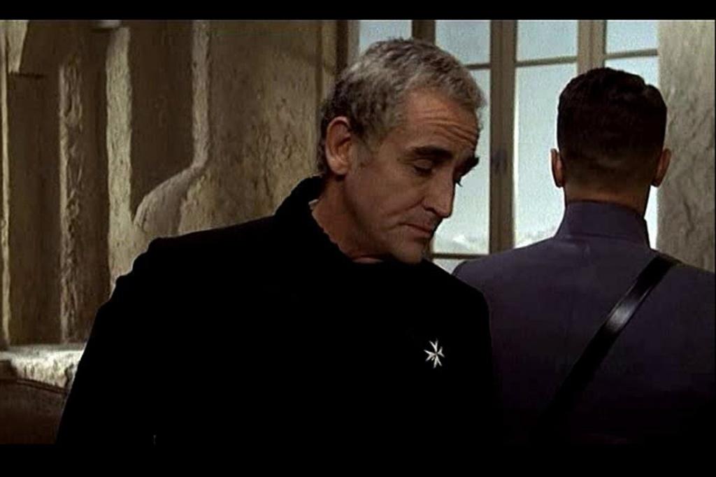 ПРИМЕР, ПОКАЗЫВАЮЩИЙ, КАК МОЖНО УБИТЬ СЛОВОМ. На переднем плане полковник граф Филимор - Витторио Гассман.