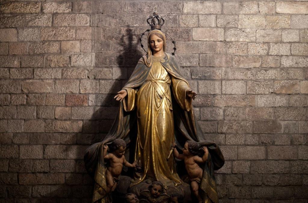 Интерьер собора Санта-Мария-дель-Мар. Реликвии прекрасного храма...