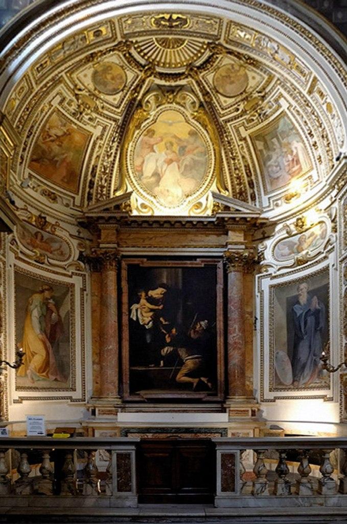 """Церковь Сант-Агостино, Рим. XIV век.  Здесь хранится работа Караваджо """"Мадонна пилигримов"""". 1603. В свое время священники церкви не могли решиться принять картину и, следовательно, оплатить работу художника."""