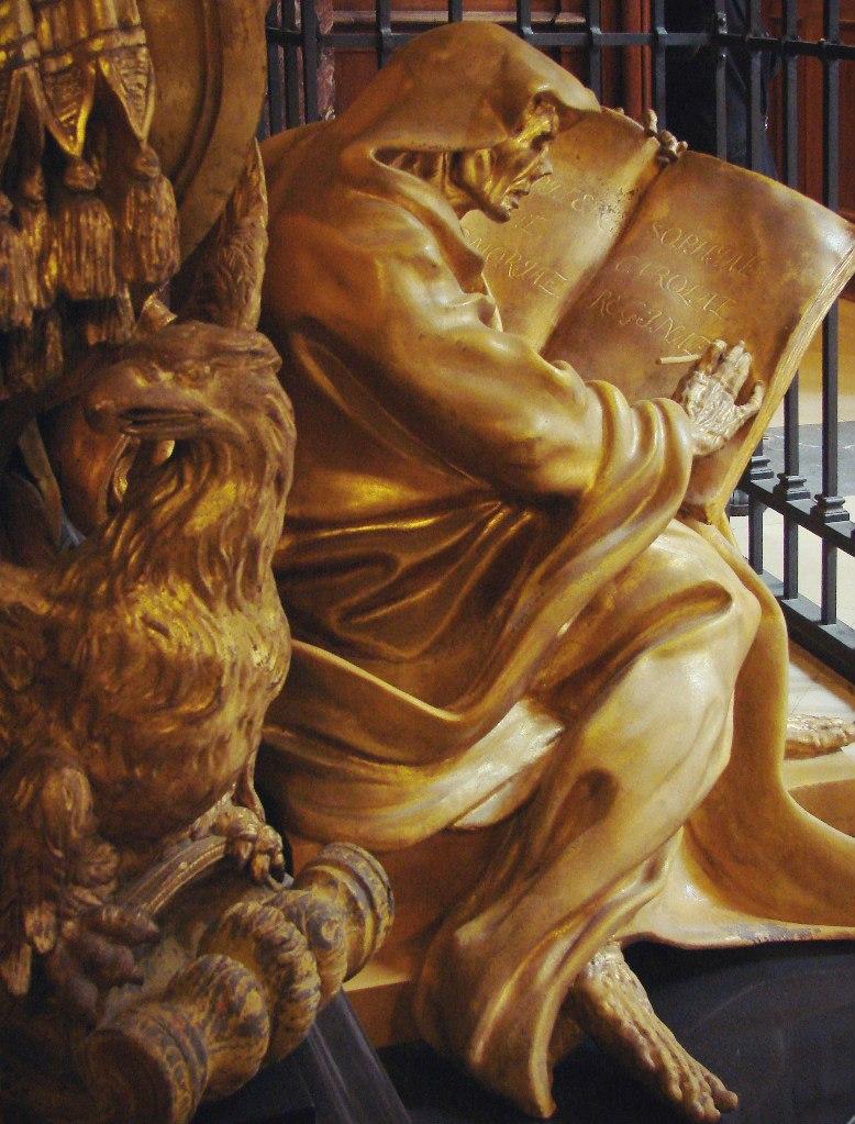 Саркофаг (без хранения останков) королевы Софии Шарлотты (позолоченный цинк). Дизайн Андреаса Шлютера.  Исполнение Джоанни Джакоби.1701–1713.