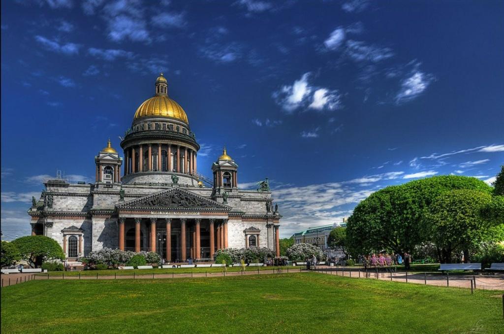 Исаа́киевский собо́р — крупнейший православный храм Санкт-Петербурга. Освящён во имя преподобного Исаакия Далматского, почитаемого Петром I святого, так как император родился в день его памяти — 30 мая по юлианскому календарю.