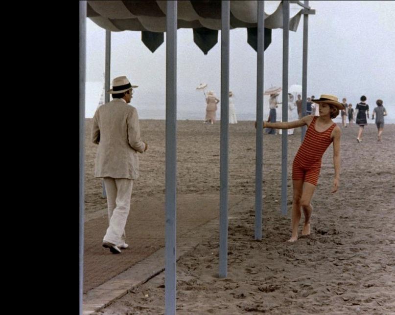 """Кадр из фильма Висконти """"Смерть в Венеции"""". Ашенбах в клетке невысказанных чувств..."""