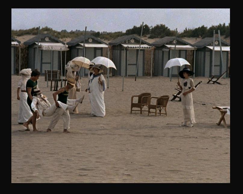 """Смерть Ашенбаха на пляже в Лидо. Фильм Лукино Висконти """"Смерть в Венеции""""."""