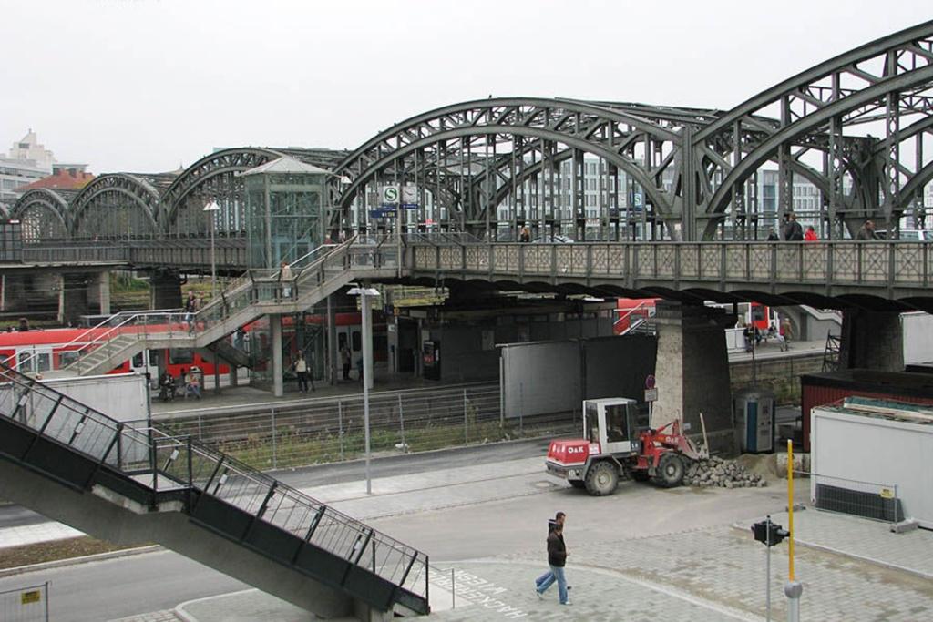Мюнхен. Кайзеровский мост - Hackerbrücke. 1894. Отечественным туристам он напоминает Большеохтинский мост в Петербурге.