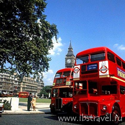 Лондонские автобусы - красные.