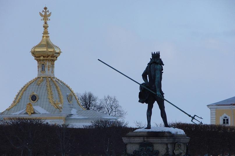 """Верхний сад Большого Петергофского дворца. """"Павильон под орлом"""" и """"Нептун""""."""