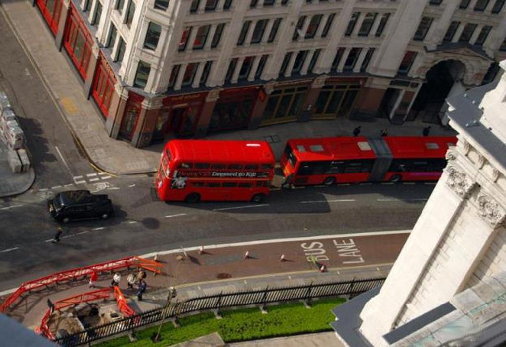 Лондонские красные автобусы - красивые...