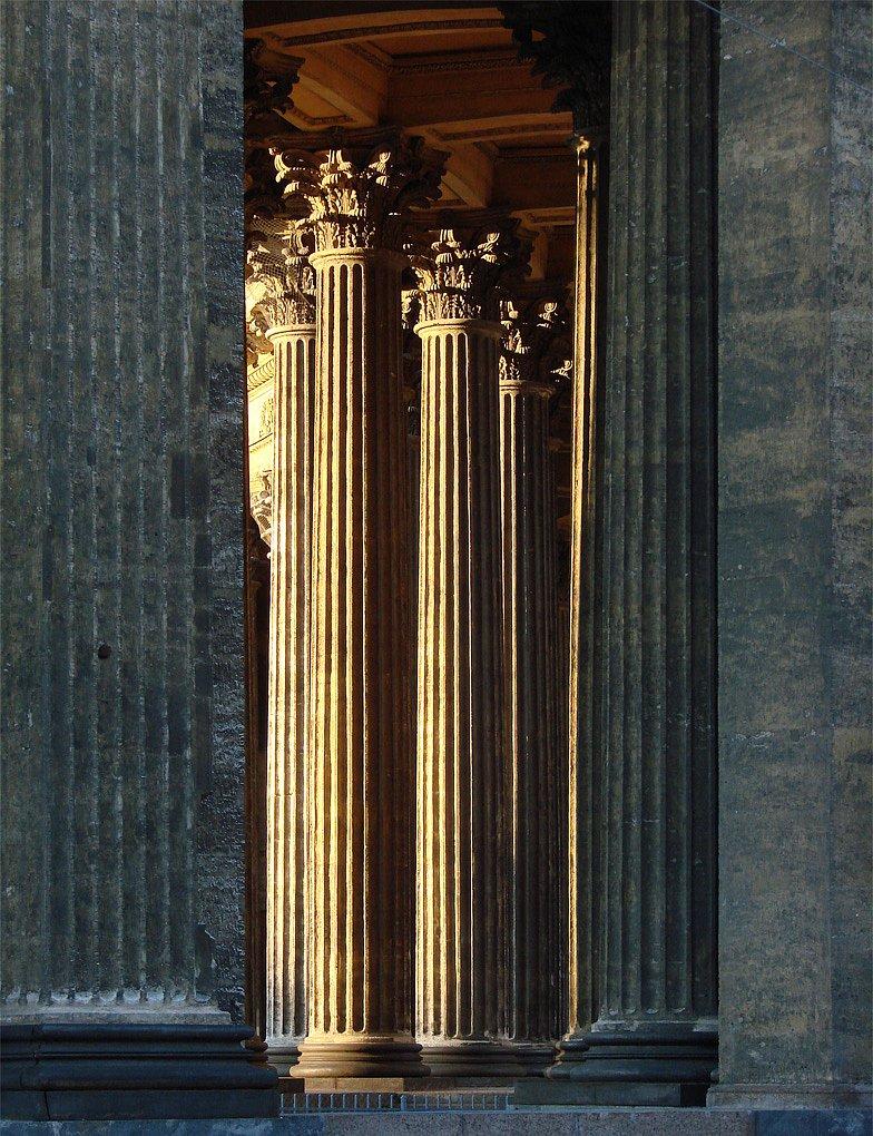 Виды Казанского собора около пяти часов утра