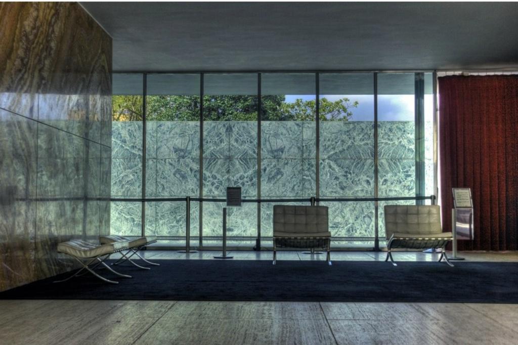 Павильон выдающегося немецкого архитектора-модерниста Людвига Мис ван дер Роэ на международной выставке, проходившей в столице Каталонии Барселоне  с 20 мая 1929 года по 15 января 1930 года.