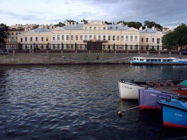 Шереметевский дворец. Арх. С. И. Чевакинский и Ф. С. Аргунов. 1750-е