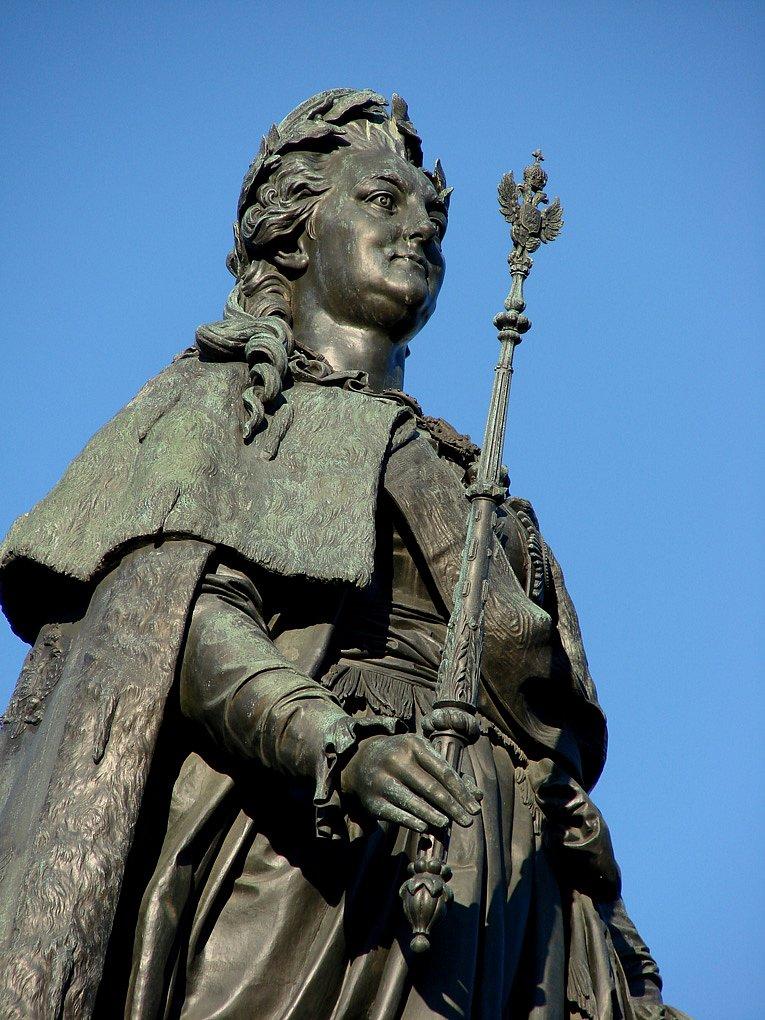 Памятник Екатерине Второй Великой в Екатерининском саду
