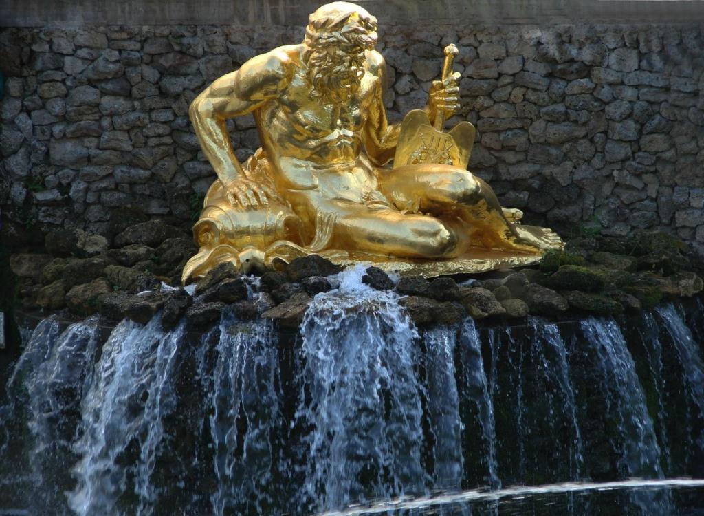 """Западная каскадная лестница. Ковш Морского канала. Статуя """"Волхов"""". Модель И. Прокофьева. 1801 год."""