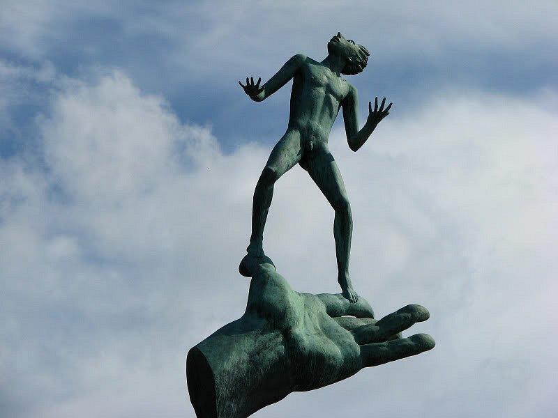 "Стокгольм. ""Рука Бога"". Карл Миллес"
