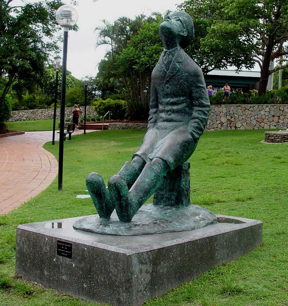 Памятник Циолковскому в Австралии